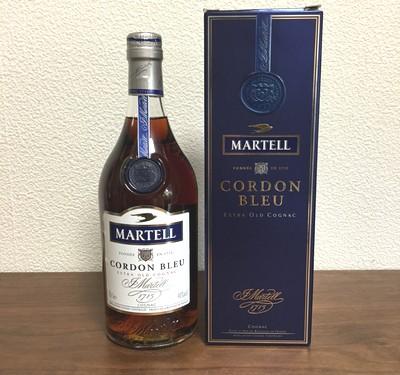 マーテルコルドンブルーの外箱と瓶